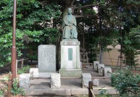 栗山久次郎翁像