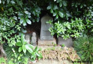 喜多見氷川神社石仏