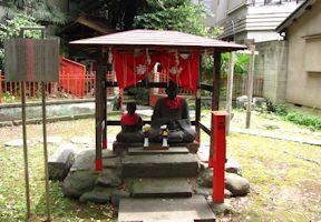 老翁老嫗の石像
