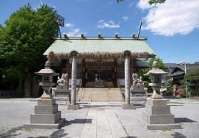 大注連縄と拝殿