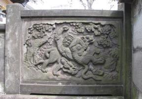 石門の彫刻