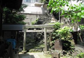 末社浅間神社