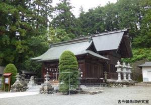 正一位岩走神社社殿