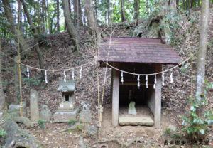 虎柏神社夕日の仮宮・稲荷神社