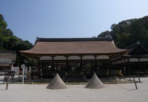 細殿と立砂