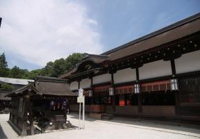 言社と拝殿