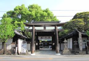 鳥居と神門