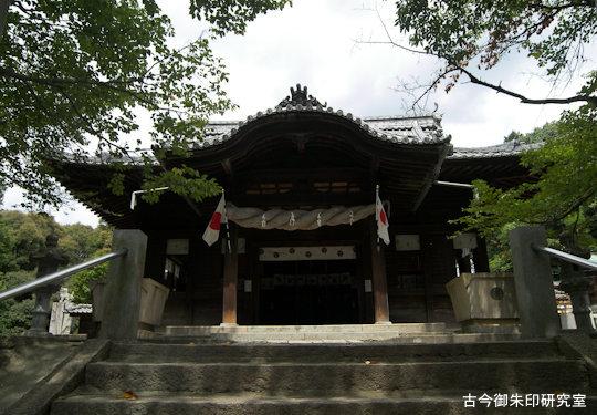 日尾八幡神社拝殿