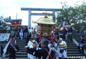伊曽乃神社神輿の出御