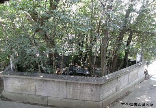 三島神社(伊予三島)磐座