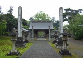 注連柱と神門