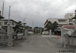 周敷神社参道
